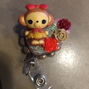 Lalaloopsy Tinies collection! Monkey Badge Reel